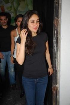 Kareena Kapoor Pics in Jeans