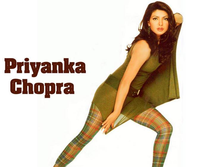 Priyanka Chopra Bold Milky Arms Show Wallpaper