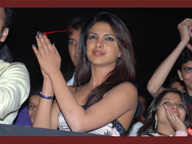Priyanka Chopra Clapping Pic