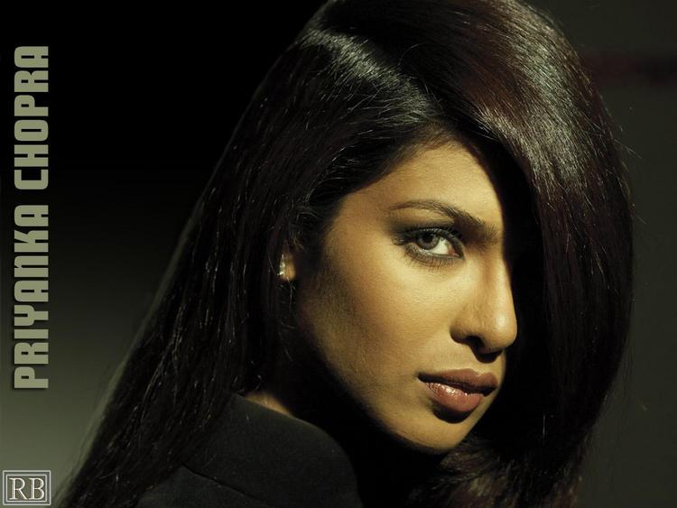 Priyanka Chopra Hot Eyes Look Wallpaper