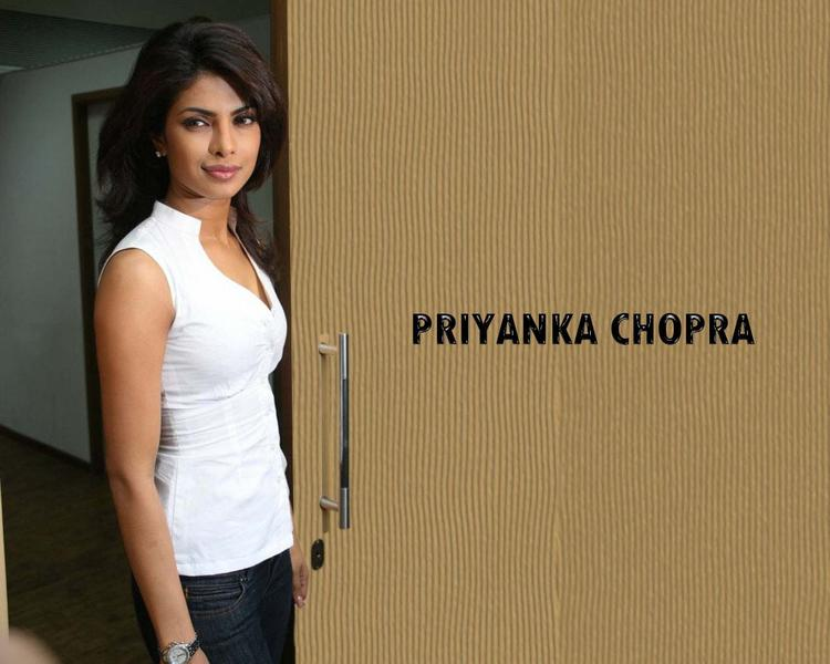 Priyanka Chopra Simple Wallpaper