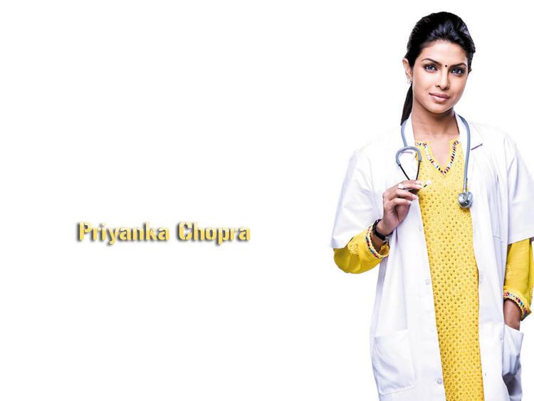 Priyanka Chopra Stunning Face Look Wallpaper