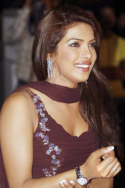 Priyanka Chopra Sweet Smiling Pic