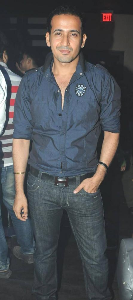 Harmeet Cool Look At Party