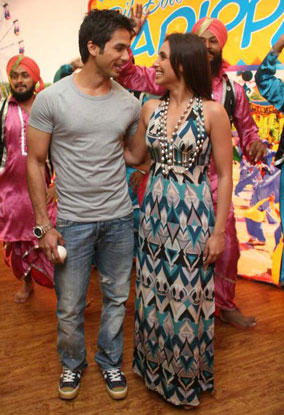 Shahid And Rani Promote Dil Bole Haddipa