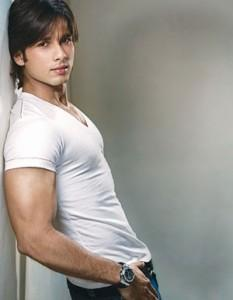 Shahid Kapoor Cool And Fresh Photo