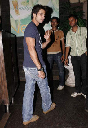 Shahid Kapoor Simple Pic