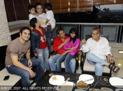 Salman And Family Celebrated Eid Ramzan