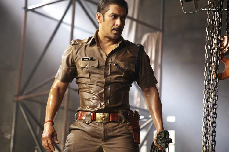 Salman Khan Angry Look In Dabangg