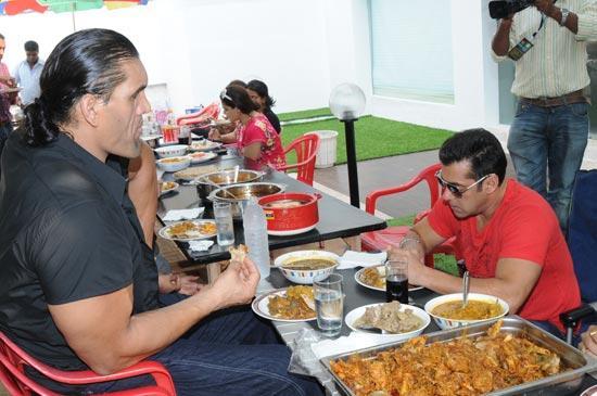 WWE Superstar The Great Khali Lunch With Salman Khan