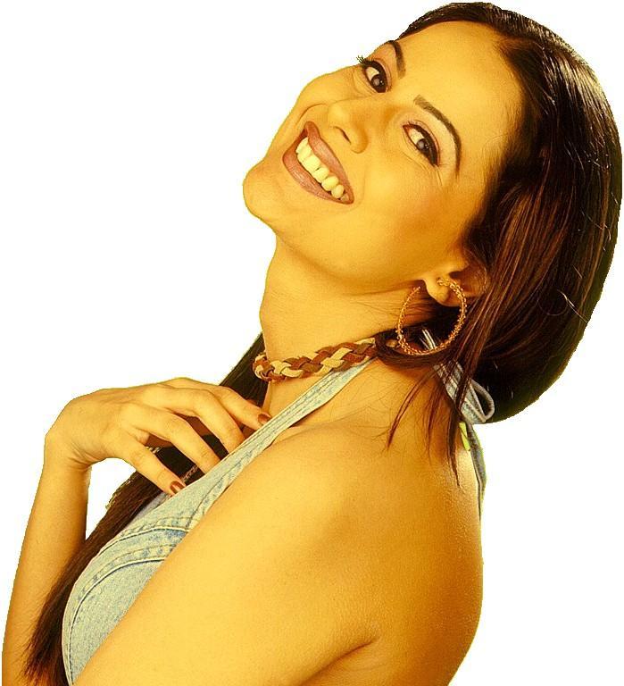 Nandini Singh Stunning Face Look Wallpaper