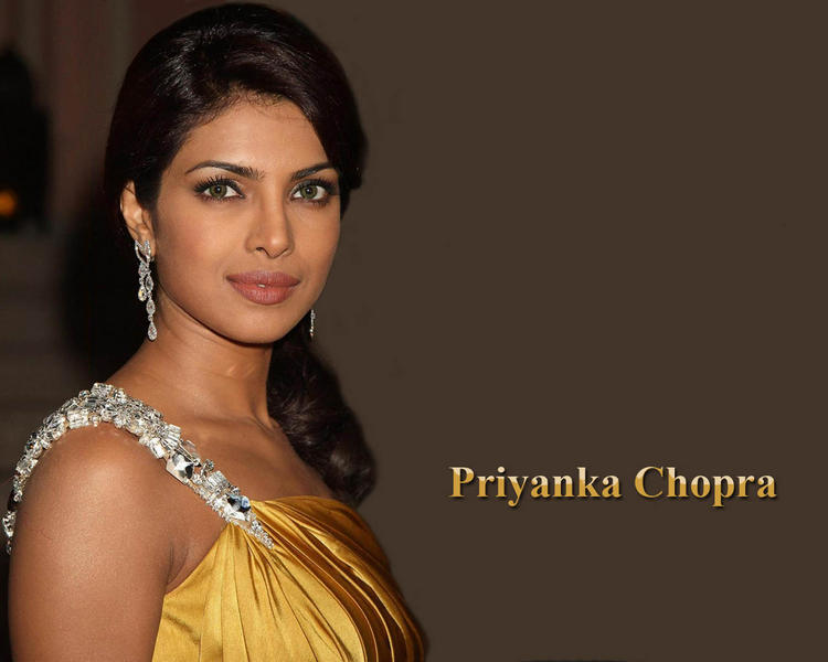 Priyanka Chopra Sizzling Face Look Wallpaper