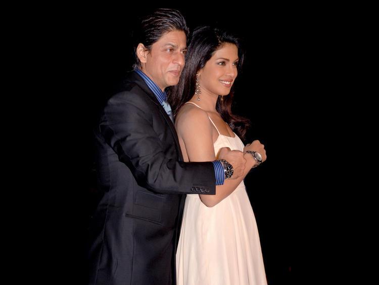 Priyanka With Shahrukh Khan Cool Pic