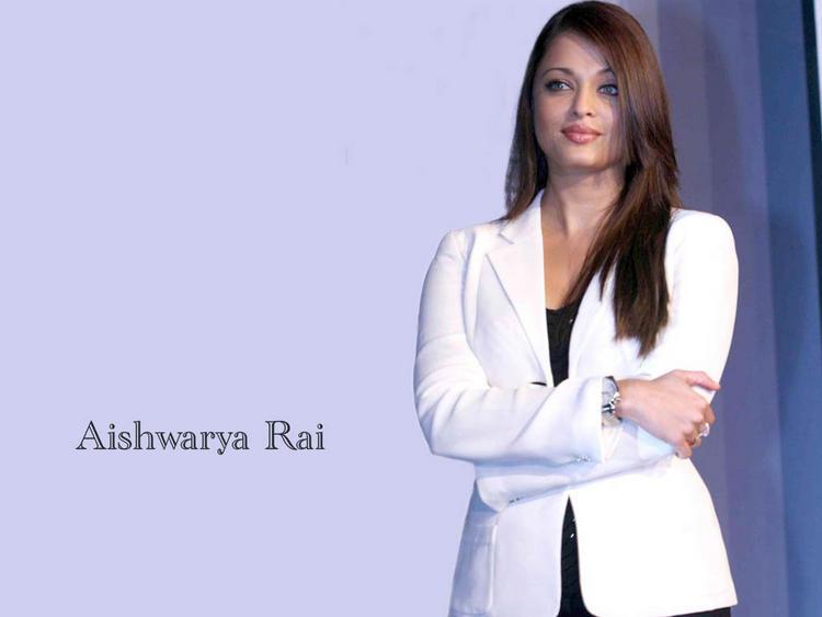 Aishwarya Rai Stylist Pic In White Blazer