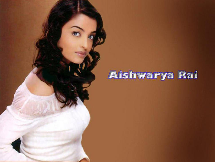 Beauty Queen Aishwarya Rai Wallpaper