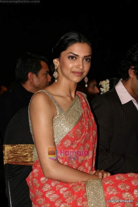 Deepika Padukone In Gorgeous Red Saree