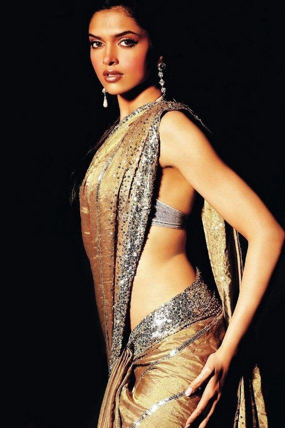 Deepika Padukone Sexy pose In Saree