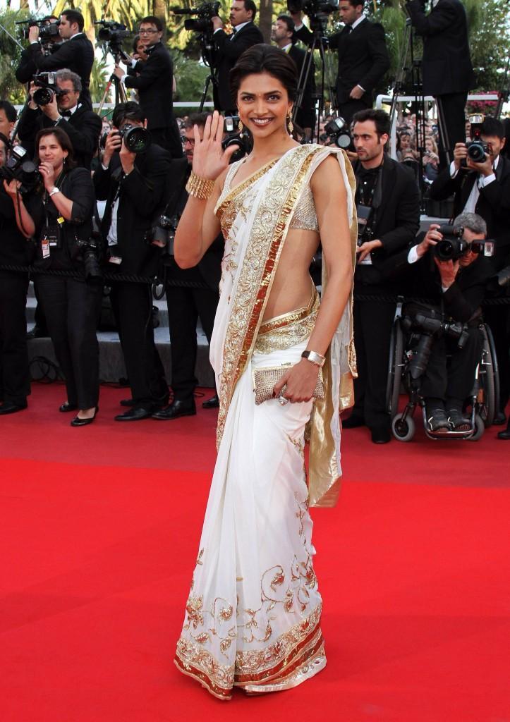 Deepika Padukone Walk On Red Carpet At Cannes