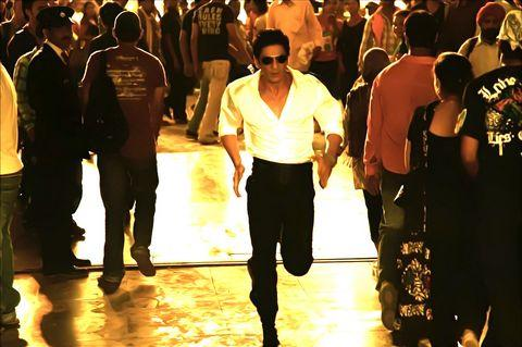 Shahrukh Khan Run Way Stills In Ra One