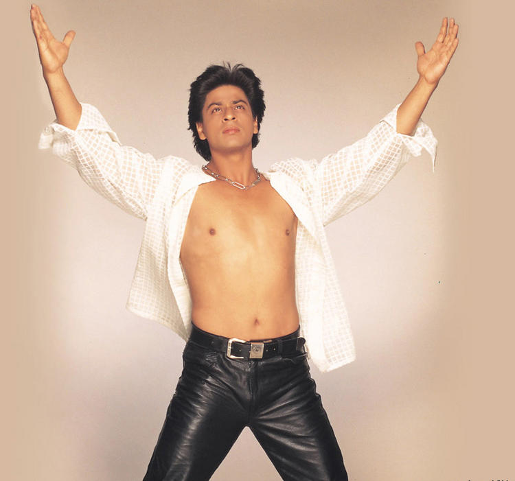 Shahrukh Khan Sexy Body Show Wallpaper