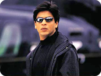Shahrukh Khan Wear Goggles In KKKG
