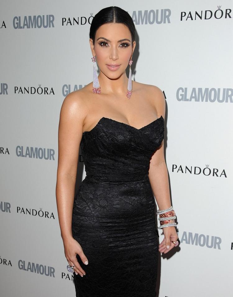 Kim Kardashian Hot Beautiful Pic In Black Dress