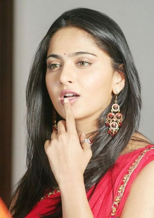 Anushka Shetty Hot Sexy Face Look Still