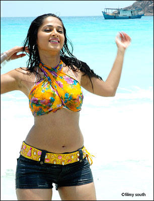 Anushka Shetty Hot Stunning Photo On The Beach
