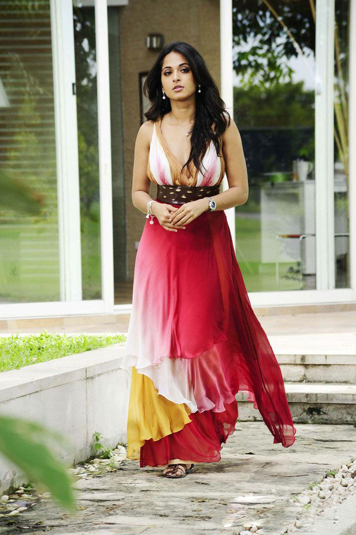 Anushka Shetty Looking Beautiful In Beautiful dress