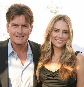 Brooke Mueller and Husband Charlie Sheens Photo