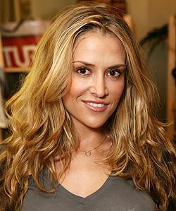 Brooke Mueller  Brown Hair Sweet Face Look Still
