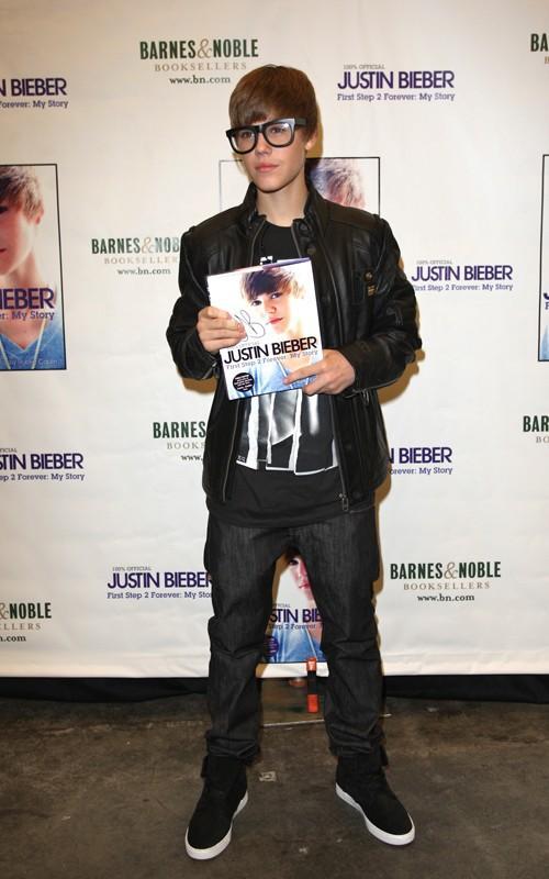 Justin Bieber Magazine Launch Pic