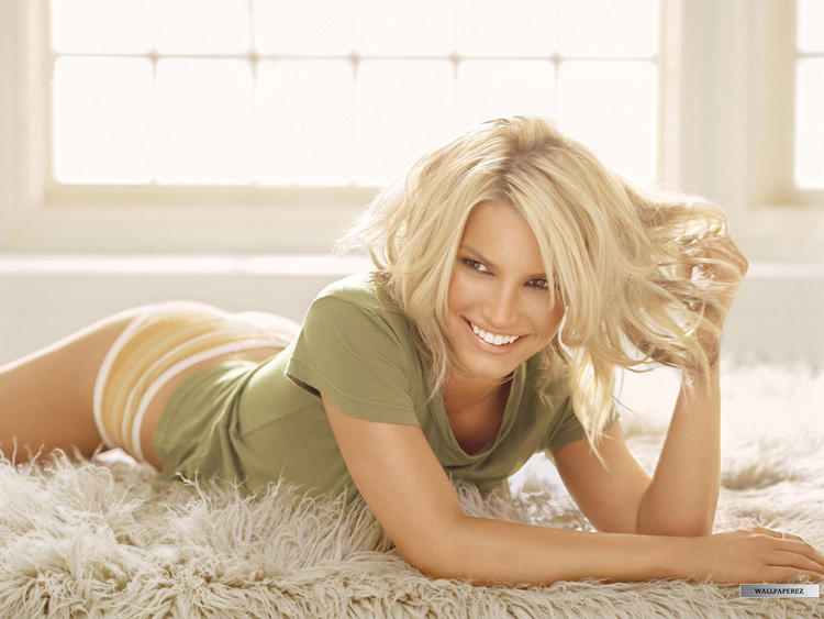 Jessica Simpson Sweet Sexy Pose For Photo Shoot