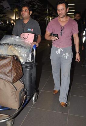 Saif Ali Khan Snapped At Airport Stills