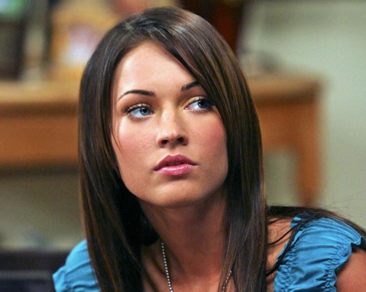 Megan Fox Cute Face Look Still