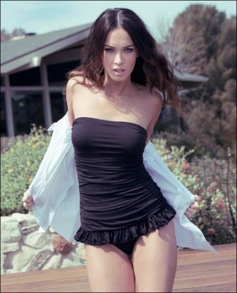 Megan Fox Sexy Black Dress Shocking Pic