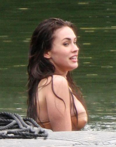 Megan Fox Sexy Pic In Water