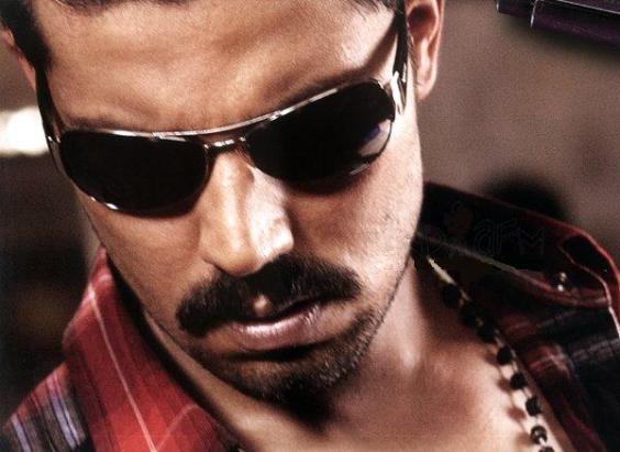 Randeep Hooda Wear Goggles Nice Pic