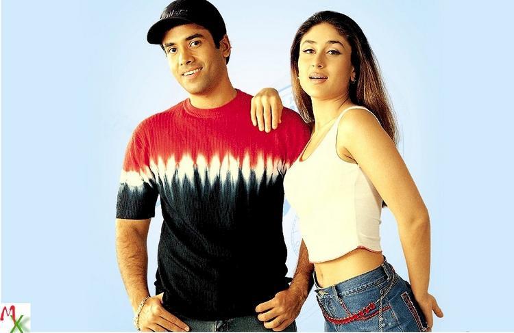 Kareena and Tushaar Sexy Look Wallpaper