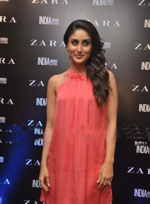 Kareena Kapoor Sweet Pose For Photo Shoot