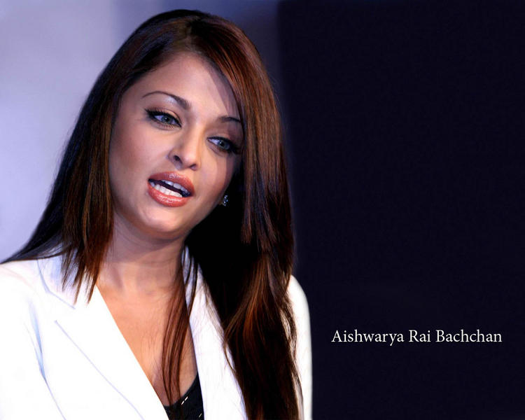 Aishwarya Rai Sexy Stylist Wallpaper