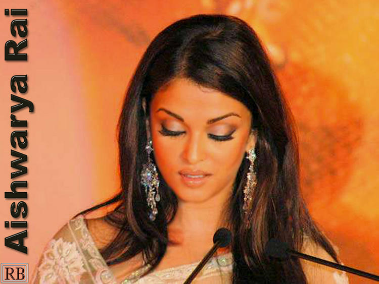 Gorgeous Babe Aishwarya Rai Wallpaper
