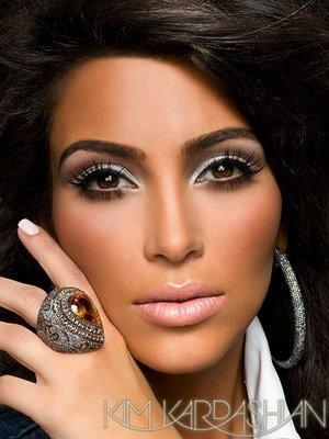 Kim Kardashian Sexy Hot Eyes Look Still