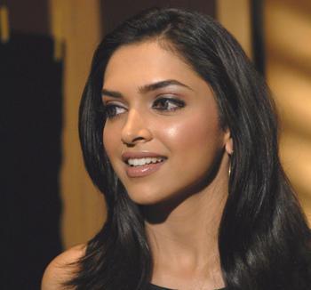Deepika Padukone Sweet Smile Beauty Still