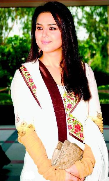 Preity Zinta Dazzling Face Look Photo