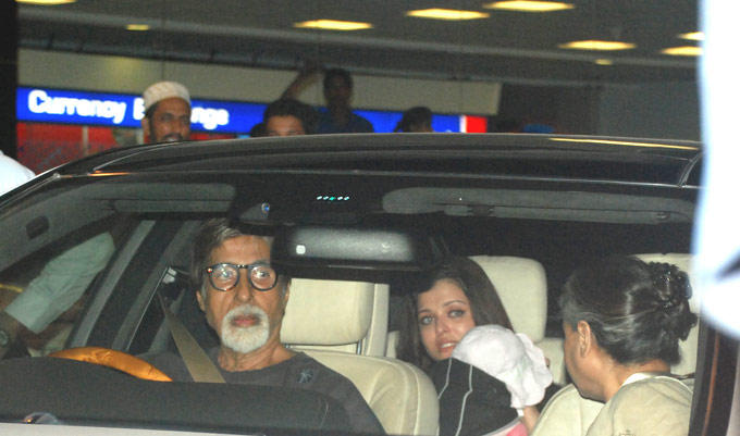 Bachchan Family Spotted at Mumbai Airport With Aaradhya