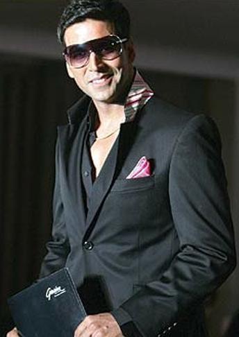 Akshay Kumar Sexy Smile Pic