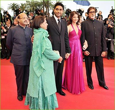 Jaya Bachchan With Family At Cannes
