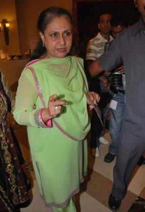 Jaya Bachchan In Green Salwar Kameez Pic