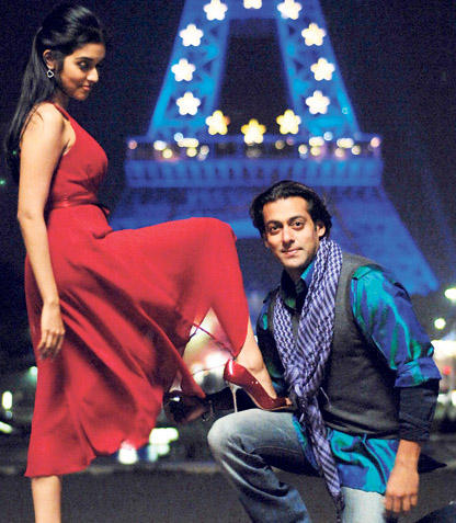 Asin Thottumkal and Salman In London Dreams